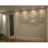 painel decorativo de parede em madeira