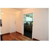 porta de madeira pivotante branca Grajau