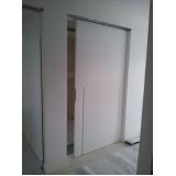 porta pivotante laqueada branca Jardim América
