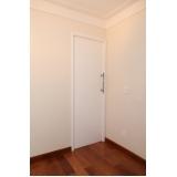 porta de madeira de correr para banheiro