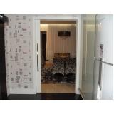 porta de madeira pivotante branca