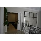 porta pivotante branca para sala
