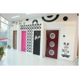 preço de porta pivotante sala branca Jardim Jussara