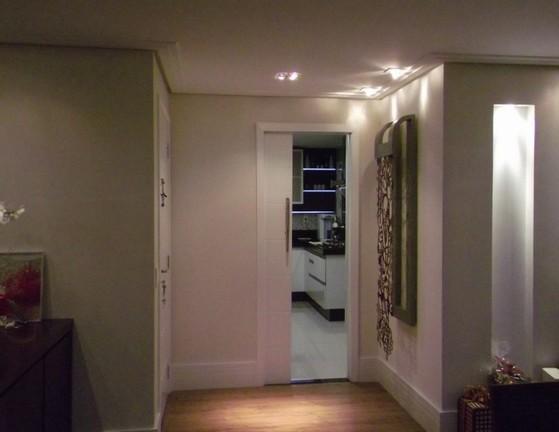 Orçamento de Porta Pivotante Branca Laqueada Cidade Tiradentes - Porta Pivotante Branca com Vidro