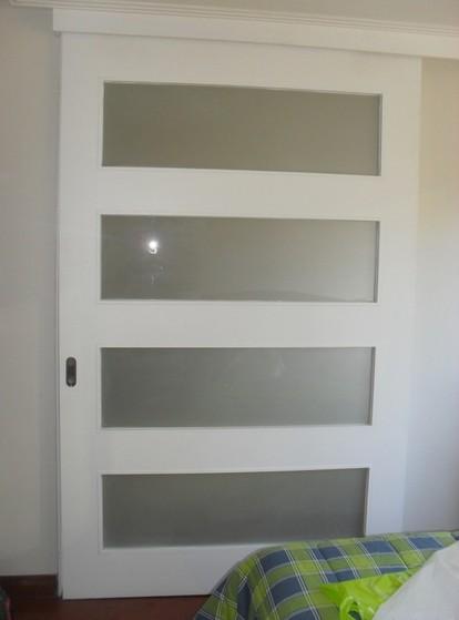 Orçamento de Porta Pivotante Laqueada Branca Pari - Porta Pivotante Branca com Vidro