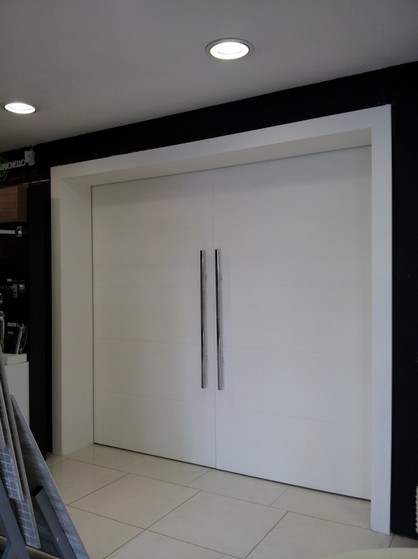 Porta Pivotante Branca para Sala Pinheiros - Porta Branca Pivotante