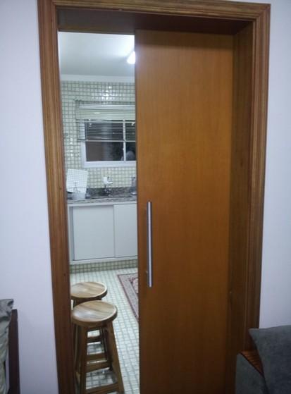 Porta Pivotante de Madeira para Sala Santa Cecília - Porta Pivotante Sala Branca
