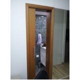comprar porta de correr para sala de madeira Luz