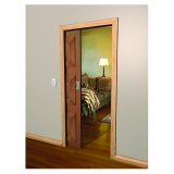 porta de madeira de correr sala Moema