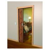 porta de sala de madeira de correr casa verde