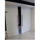 porta de sala pivotante Sé