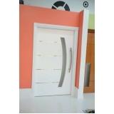 porta pivotante branca laqueada Vila Progredior
