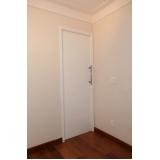 porta pivotante laqueada branca